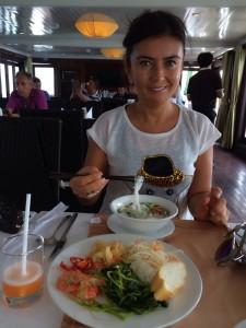HO CI MINH CITY .. SAİGON (Vietnam'ın Istanbul') HANOI ( Vietnam'ın Ankara sı) şık restoran ve gece klupleri,hareketli geve hayatı,vealışveriş ımkanı ile beni çok şaşırttı.HALONG BAY büyülendim.UMARIM YOLUNUZ VİETNAM A DÜŞER. AÇ KALIRIZ DİYE DUSUNMEYIN.5 YILDIZLI OTELLER INANIN AVRUPA OTELLERINDEN DAHA İYİ HIZMET VERIYOR.BEN BEĞENDİM VE KESİNKİLKE GÖRMENİZ GEREKEN ULKELER LISTESIN DE OLMALI. ÇOK FARKLI.. 1.CI SIRA KESINLIKLE KAMBOÇYA ...