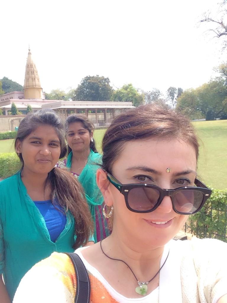 Hintli'ler bizlerle foto cektırmeye bayılıyor..:)